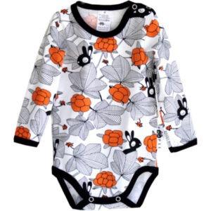 Baby Body Hilda, Farbe weiss mit Orange, Muster Häschen im Garten, Marke Paapii, Biobaumwolle, nachhaltig hergestellt