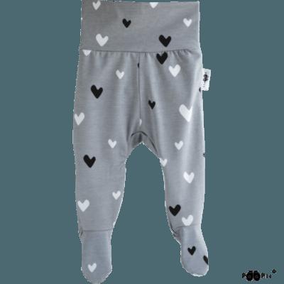 Baby Stramplerhosen hearts, Farbe grau, Muster Herz, Marke Paapii, Biobaumwolle, nachhaltig hergestellt