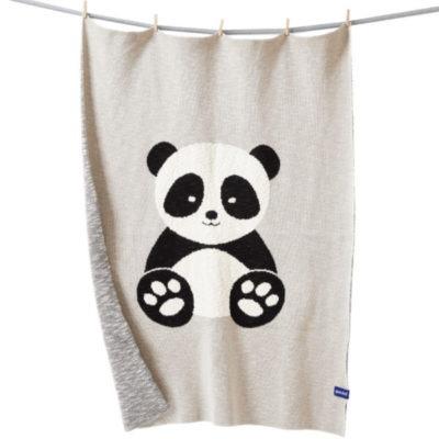 Kuschelig warme Babydecke aus Biobaumwolle mit süssem Pandamotiv von der Marke Quschel