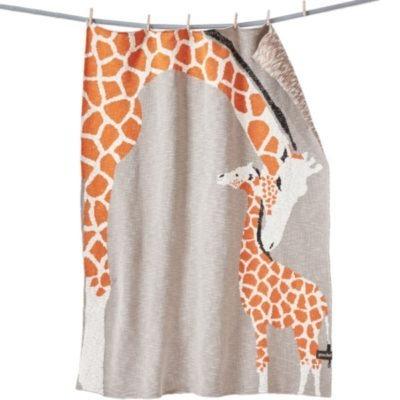 Babydecke aus Biobamwolle mit einem Giraffenmotiv, von der marke Quschel