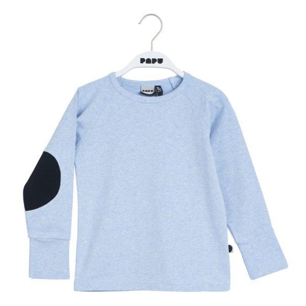 Aus einem weichen Jersey-Stoff hergestelltes Langarmshirt mit Ellbogen-Patches. Die Ärmel können umgekrempelt werden und somit kann das Shirt länger getragen werden. Normale Passform.