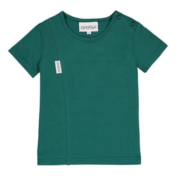 Dieses T-Shirt hat einen schönen Schnitt, der bei beiden Jungs und Mädchen gutsteht. Der Jerseystoff ist qualitativ sehr hochwertig und angenehm weich.