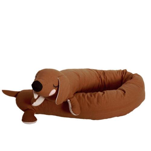 Dieser Lazy long dog ist für das Babybett als Bettschlange gedacht